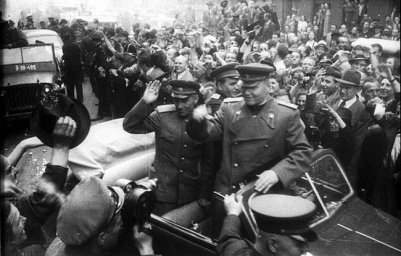 Прага встречает маршала Конева.