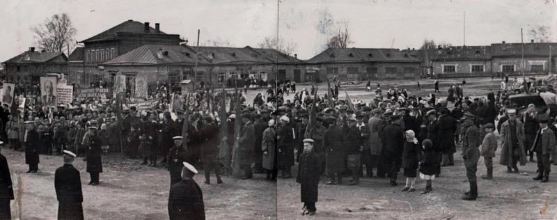 Тотьма. Торжественный митинг 9 мая 1945 года.