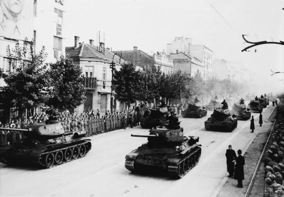 Танки Т-34 на параде