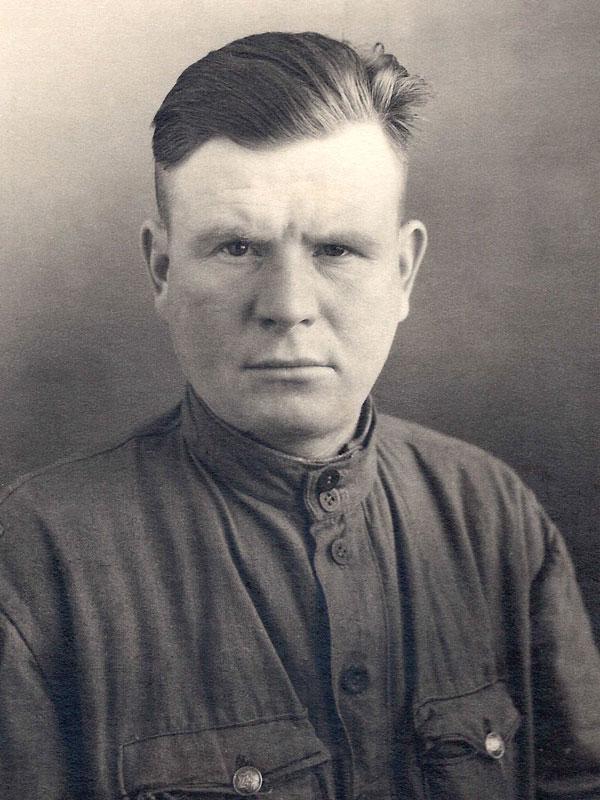 Курицын Иван Иванович родился в дер. Мелешово Заозерского сельсовета Тотемского района.