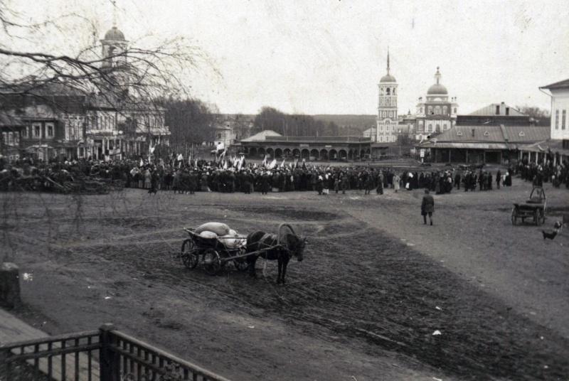 Молебен на площади в г.Тотьме по случаю взятия г.Львова